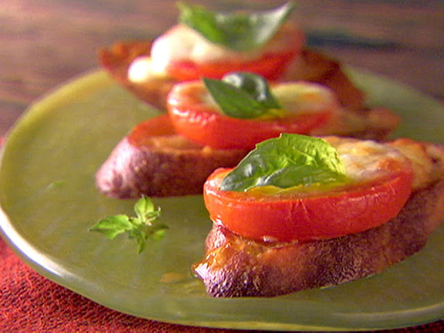 How to Baked Caprese Salad