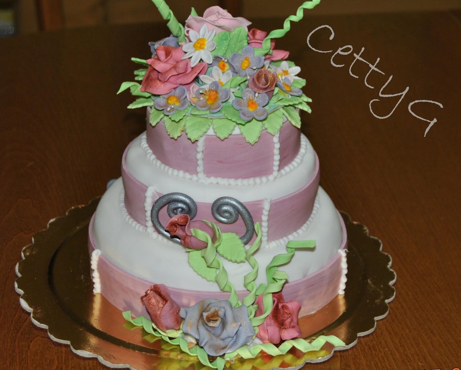Le torte decorate di cetty g torta a tre piani 50 anni in for Decorazioni per torta 60 anni