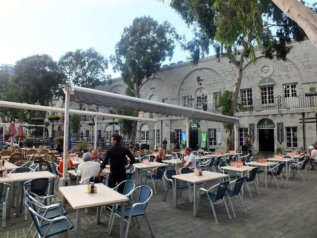 terrazas de restaurantes en gibraltar