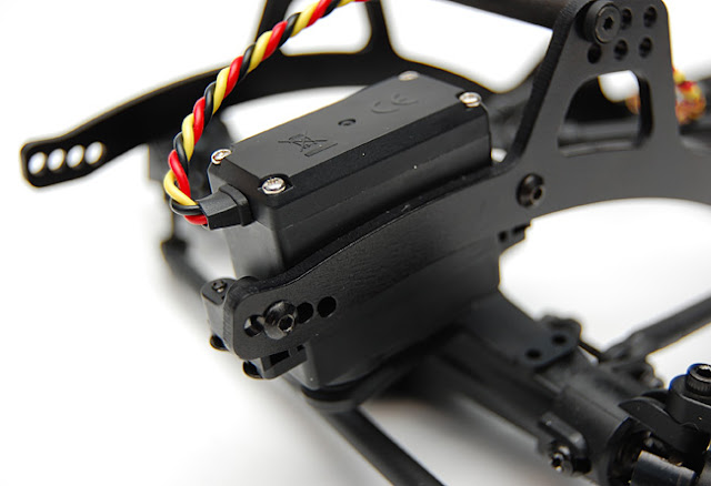 Axial AX10 chassis mounted servo