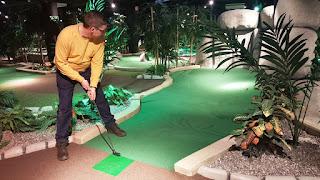 Paradise Adventure Golf at Täby Centrum