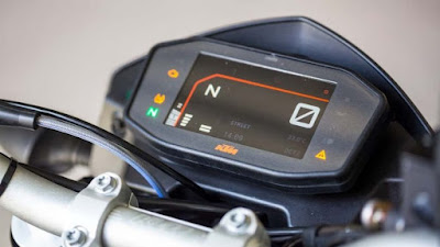 2017 KTM Duke 390 speed console