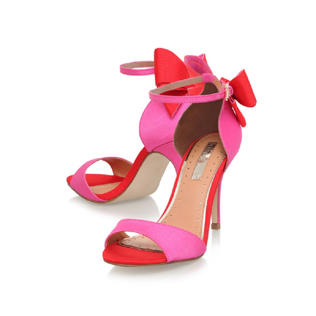 Designer-Wedding-Shoes-Aruna-Seth-Grey-Shoes-Pink