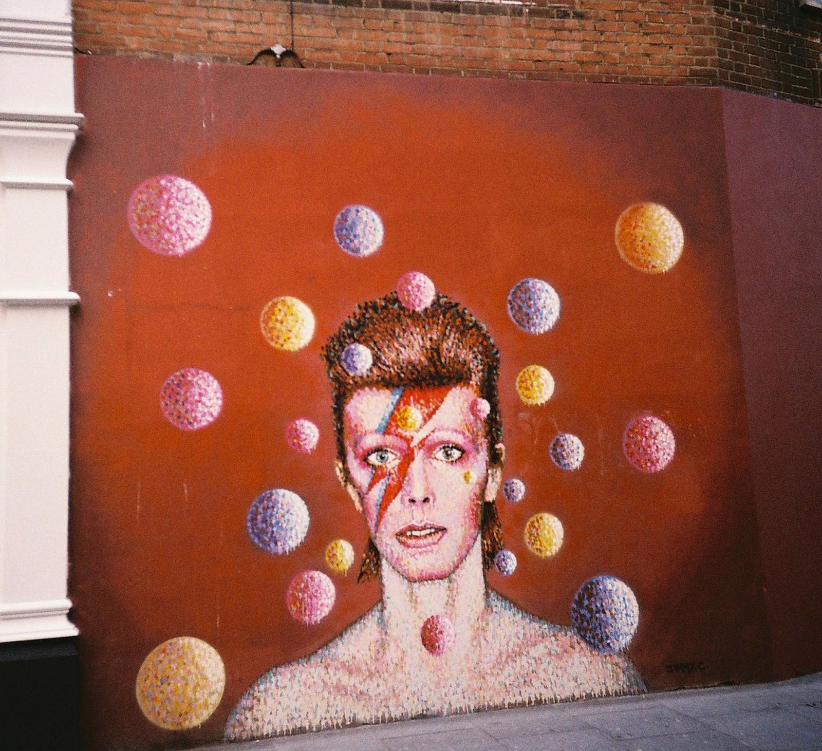 Musings about David Bowie and ELLS