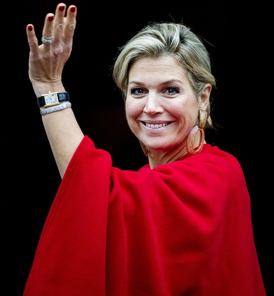 Queen Máxima, Princess Beatrix and Barbara Ehrenreich attended 2018 Erasmus Prize ceremony. Queen Maxima wore Natan red silk ruffled dress