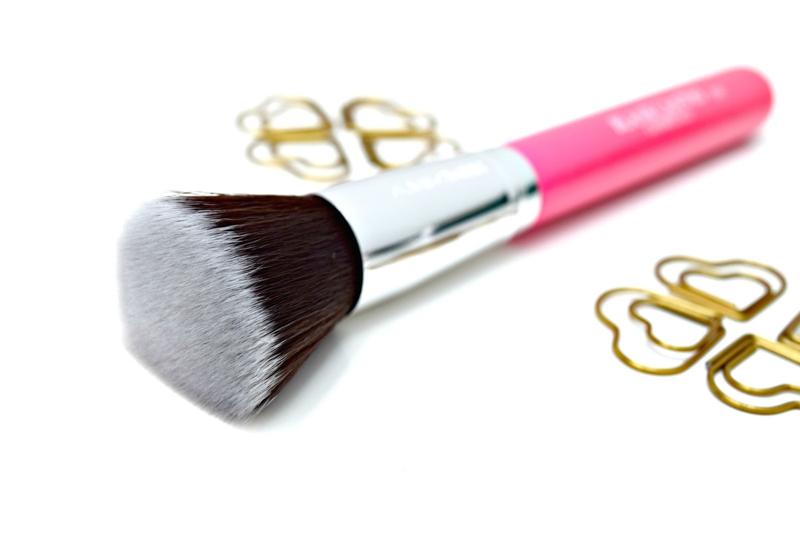 Blank Canvas F20 Flat Brush Foundation Make Up Brush review