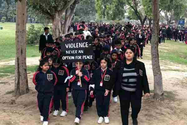 aravali-school-tribute-pulwama-martyr-sector-12-town-park-faridabad