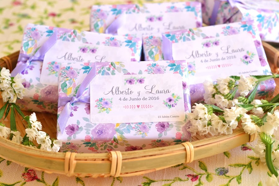 detalles de boda jabones en tonos malva