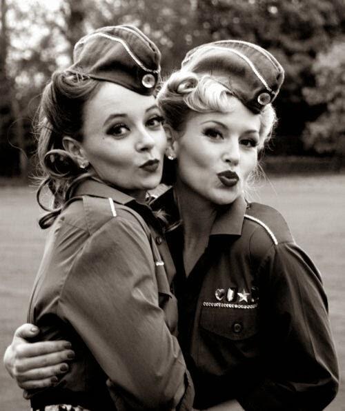 moda de los años 40 y 50 mujeres