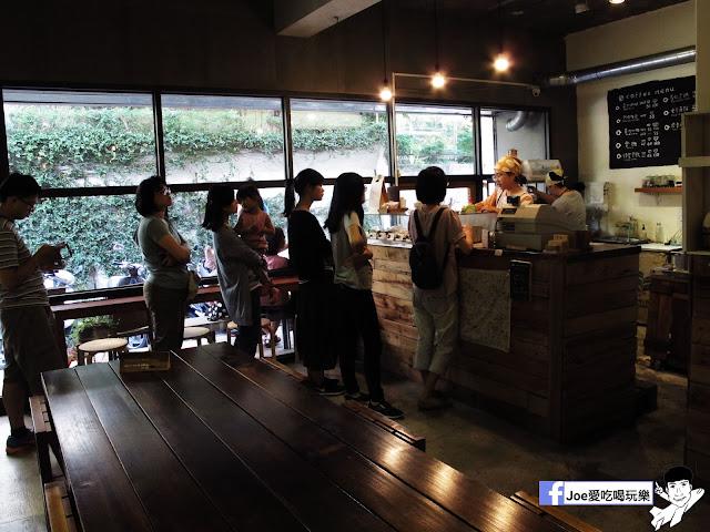 IMG 2597 - 【台中甜點】 - 來自東京的美味甜甜圈,每個甜甜圈都是現作以及限量的!!!所以要吃限量以極限定的要早點來喔!!