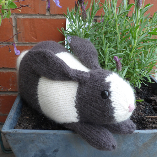 Henry's Rabbit - Free Pattern