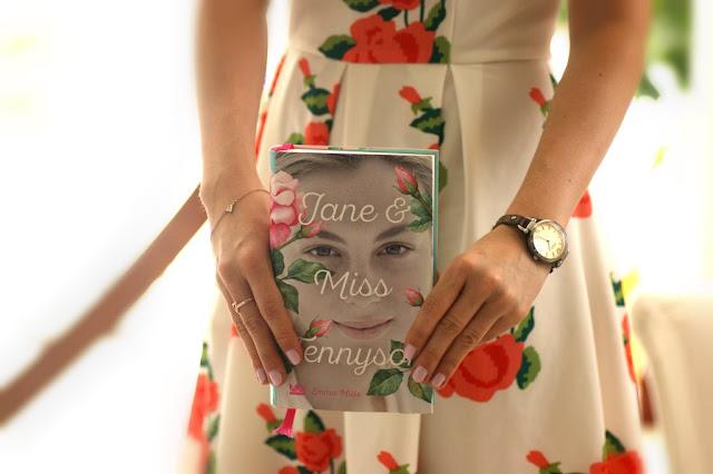 Jane & Miss Tennyson von Emma Mills aus dem Königskinder Verlag