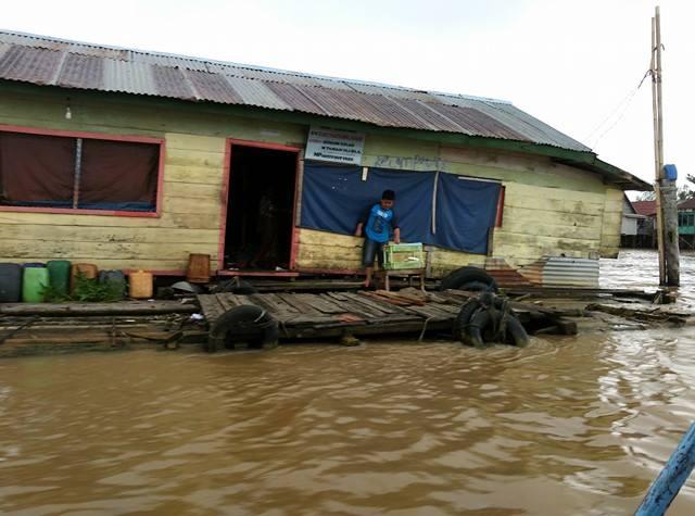 Rumah-rumah Terapung  di Atas Sungai Musi Palembang