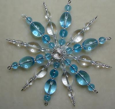 how o bead a snowflake form