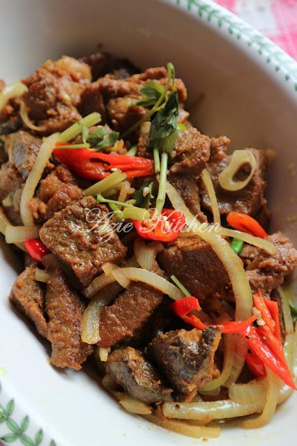 Daging Goreng Garam Kunyit Azie Kitchen