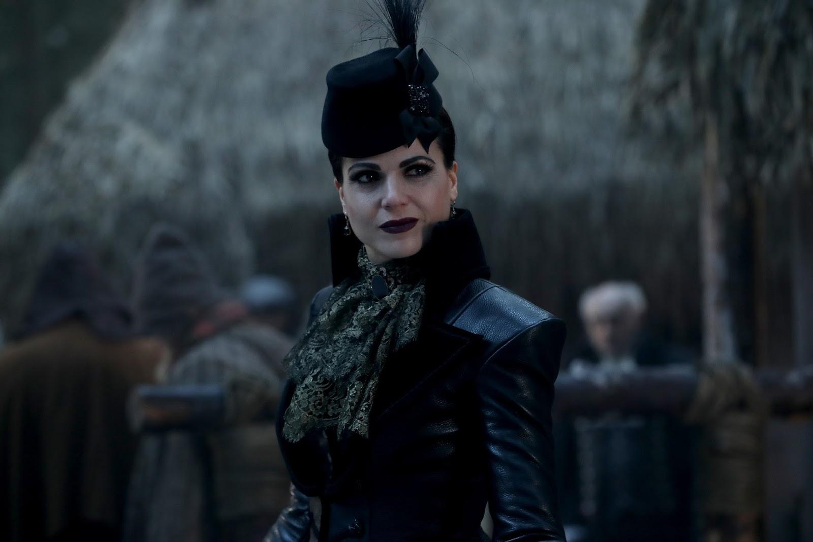 La Reina Malvada busca a Blancanieves en un flashback en Once Upon a Time