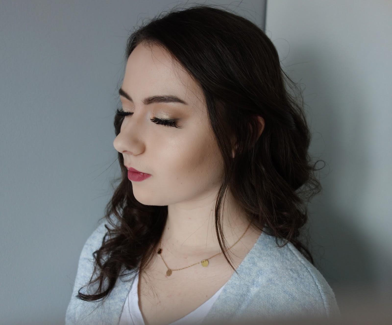 Gloooowy skin | makijaż na modelce ZUZA