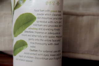 The Face Shop Green Tea Phyto Powder Cleansing Foam (2/6)