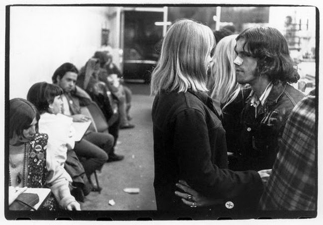 These Vintage Photographs of San Francisco Hippies in 1966
