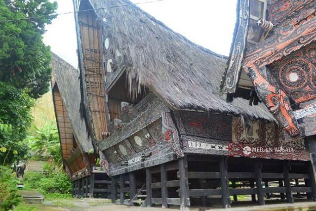 Menjelajahi Bakkara Yang Penuh Pesona
