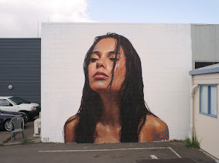 arte-femenino-invade-calles y-muelles-solitarios mujeres-murales-arte