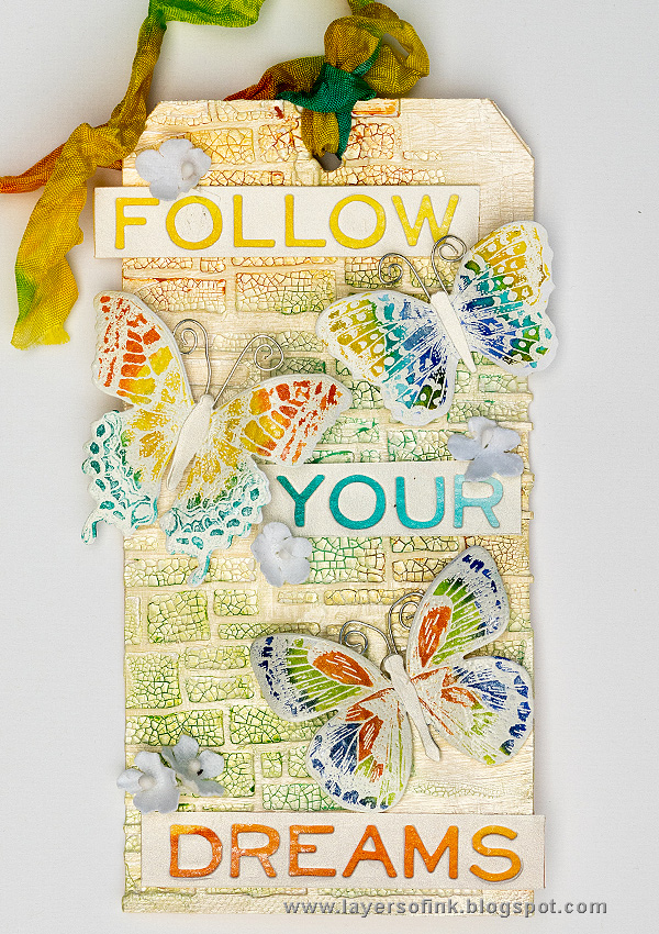 Layers of ink - Shimmery Butterfly Tag Tutorial by Anna-Karin with Tim Holtz Sizzix Flutter collection.