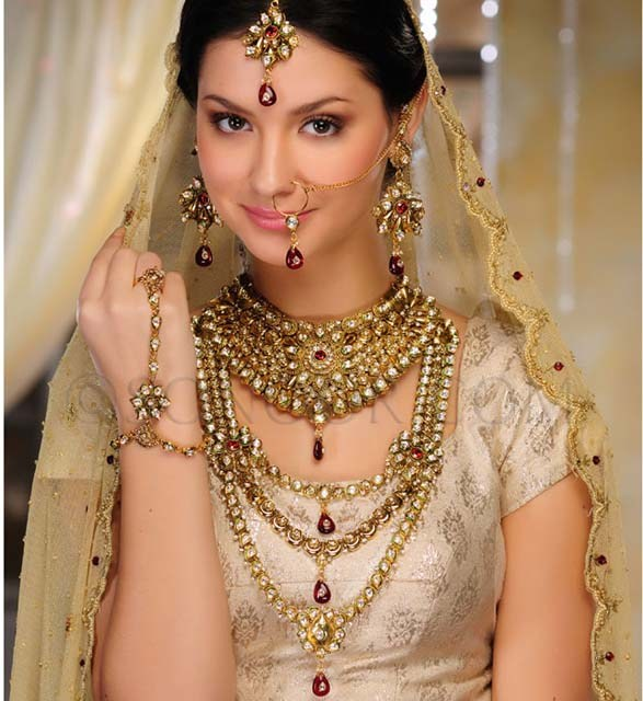 Bridal jewelry set pic, Nose rings, ear rings pic, gold locket pic