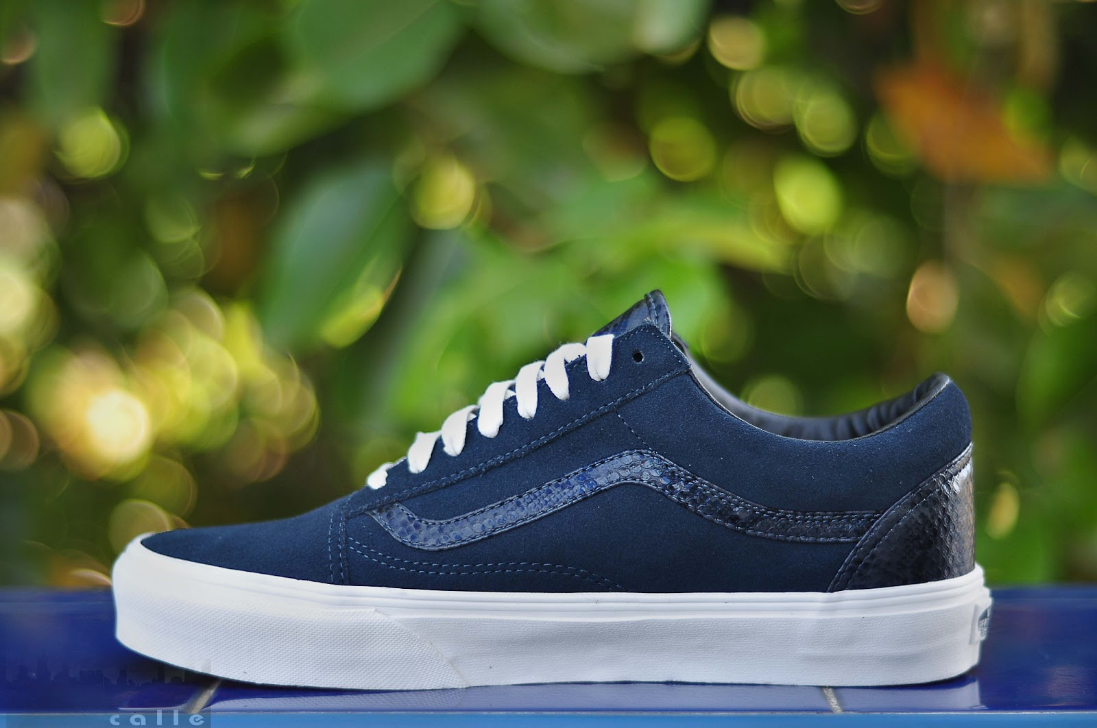 02544d3097 VANS OLDSKOOL YEAR OF THE SNAKE (NAVY BLUE)   SIZES  8-11   PRICE  3498    FREE SHIPPING NATIONWIDE