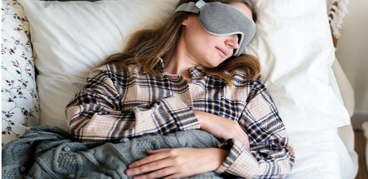 Γιατί τιναζόμαστε στον ύπνο μας;