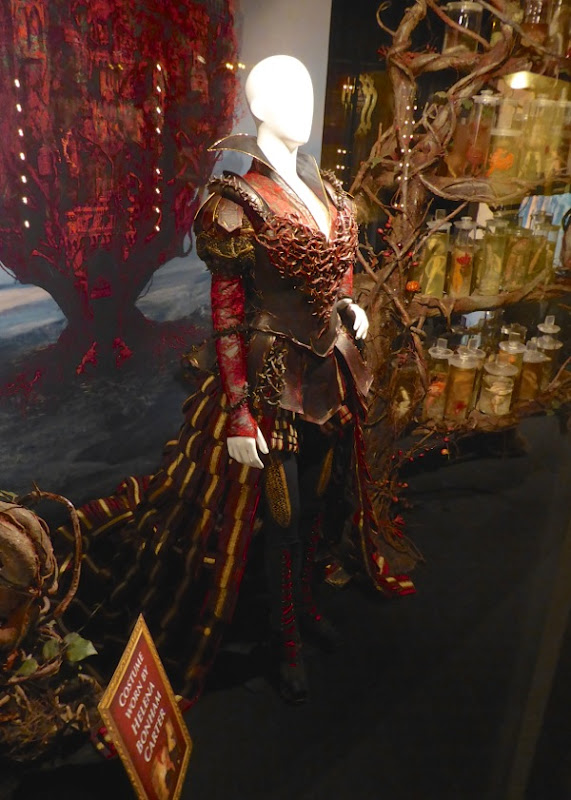 Helena Bonham Carter Red Queen costume Alice Through Looking Glass