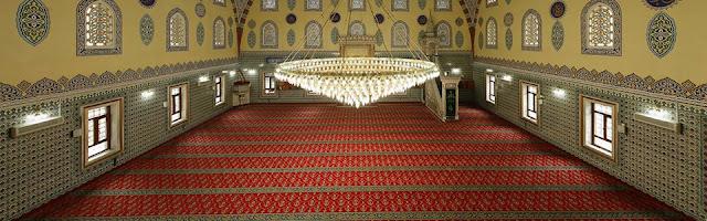 Camiler İçin Özel Halılar