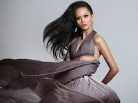 Kharisma Aura Islami, Model Belia Eksotik Asal Majalengka