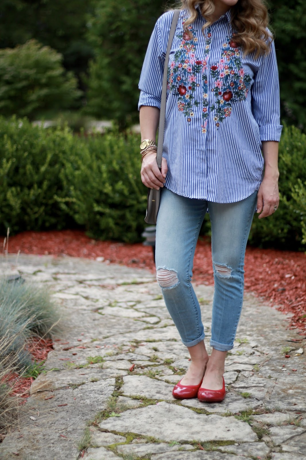 embroidered striped button up, distressed maternity jeans, red flats, grey saddlebag, casual fall maternity outfit