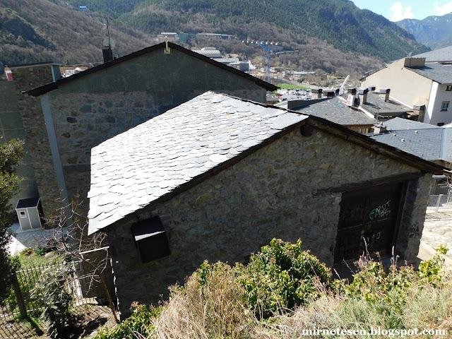 Андорра-ла-Велья - дома с каменной черепицей