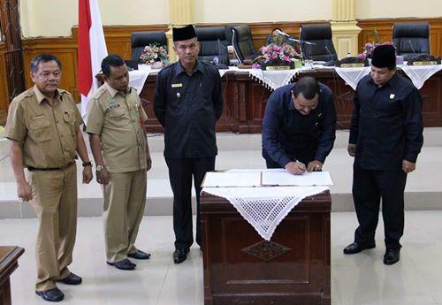 DPRD Kota Pariaman Setujui Ranperda Pengembalian Nama Daerah ke Bahasa Asli