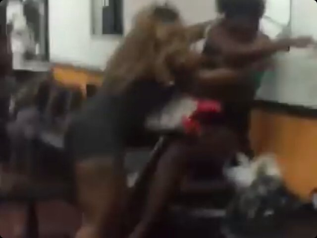 2 girls fight naked video