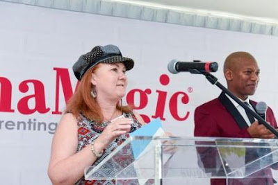 Karen du Toit announcing the winner of the Mom's Essentials Winner at the MamaMagic Awards