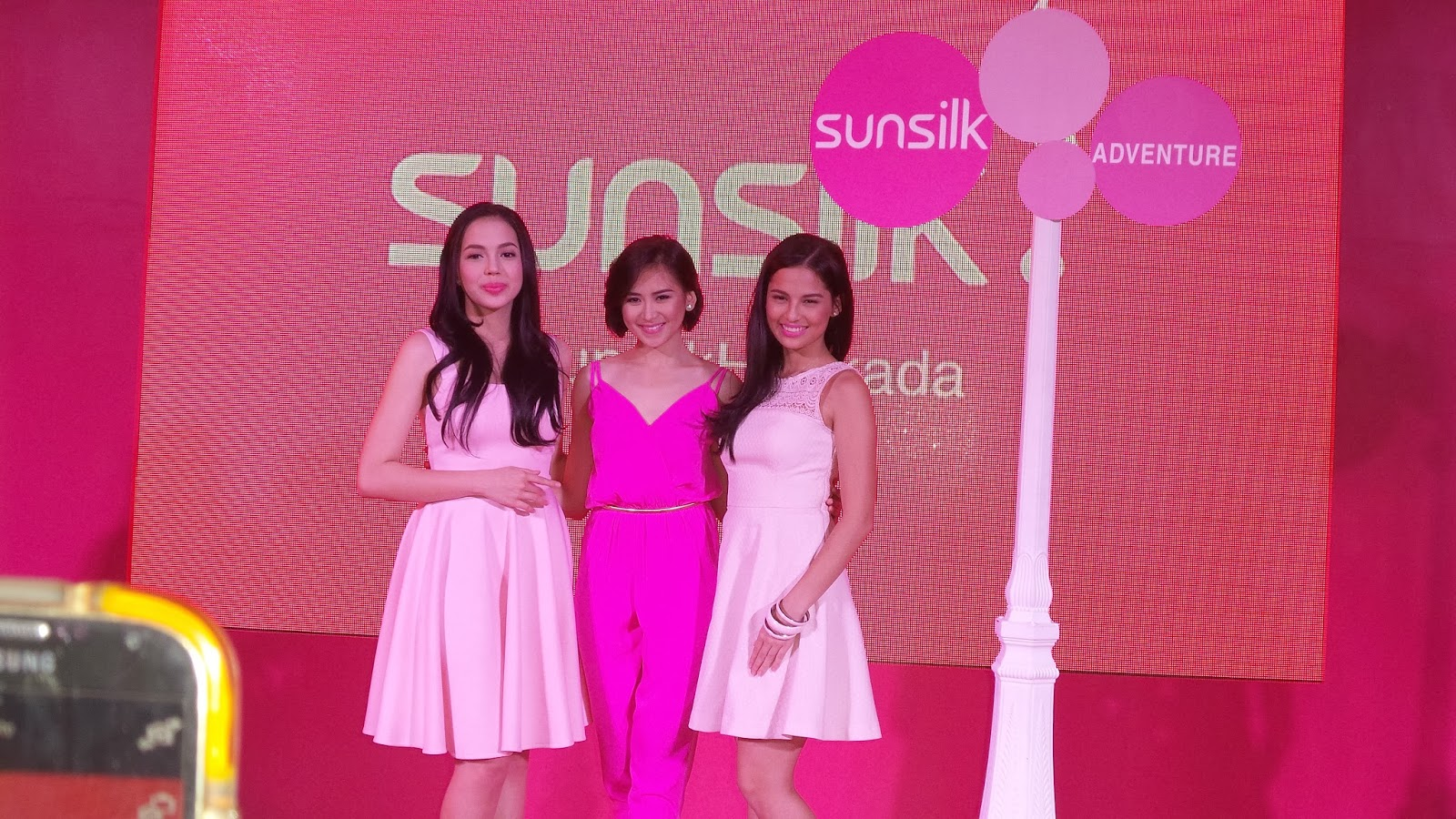 fa1cba5f4e6b Girls were treated to a night of fun, pampering and adventure at a recent  #SunsilkHairkada event. There were booths provided to style your crowning  glory ...