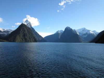 Fiordo Milford Sound y pico Mitre. Parque Nacional Fiordland, Nueva Zelanda