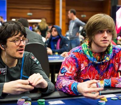thiên tài Charlie chơi poker online ăn tiền thật 04021702