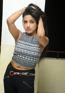charming girls pics, College girls pic, Indian College girls pic