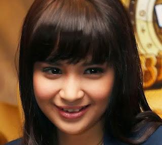 Foto Cantik Putri Titian