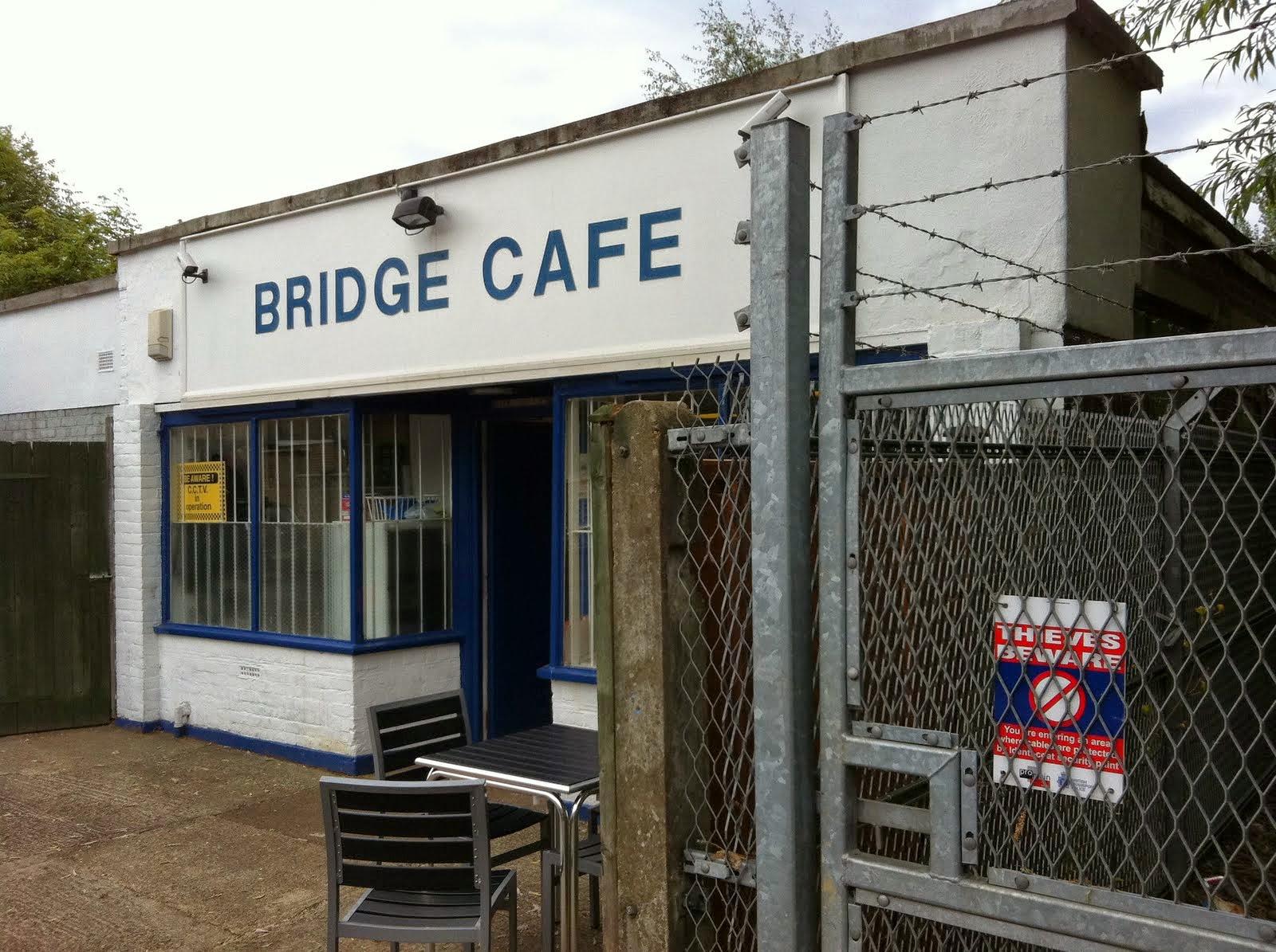 The fry up inspector london breakfasts for Cafe le jardin bell lane london