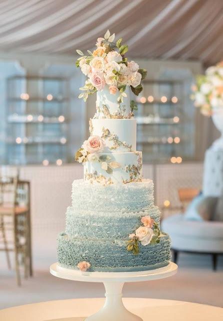 bánh sinh nhật hoa hồng trắng sang trọng