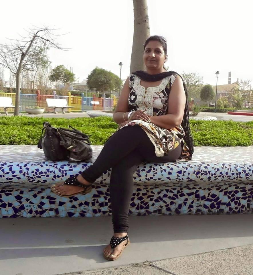 Girls Backside Gand Salwar  Big Pakistani Aunties 2018 -6134
