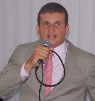 Resultado de imagem para vereador Juliano Oliveira, o Juliano da Nutricau