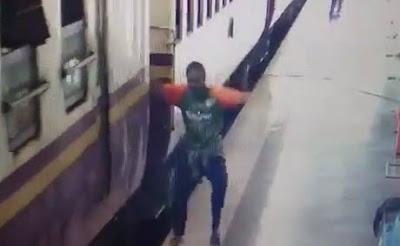 Cae a la Vías del Tren y lo Depedaza