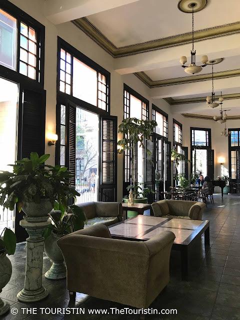 the touristin vieja cuba havana bar Hotel Ambos Mundos