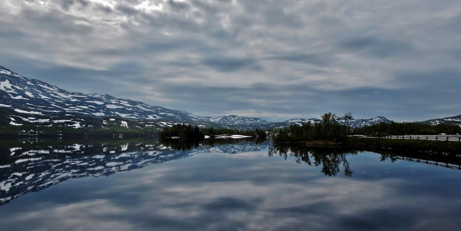 Nordis S Naturfoto øse Gratangsfjellet