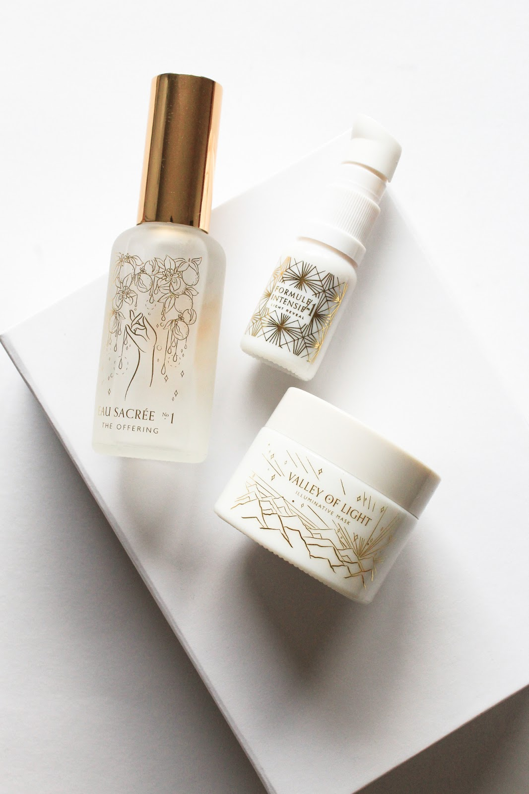 Wabi-Sabi Botanicals Indie Beauty Spotlight Discovery Limited Edition Beauty Heroes The Offering Ageless Ritual Facial Mist, Light Reveal Targeted Treatment Serum, Valley of Light Illuminative Mask